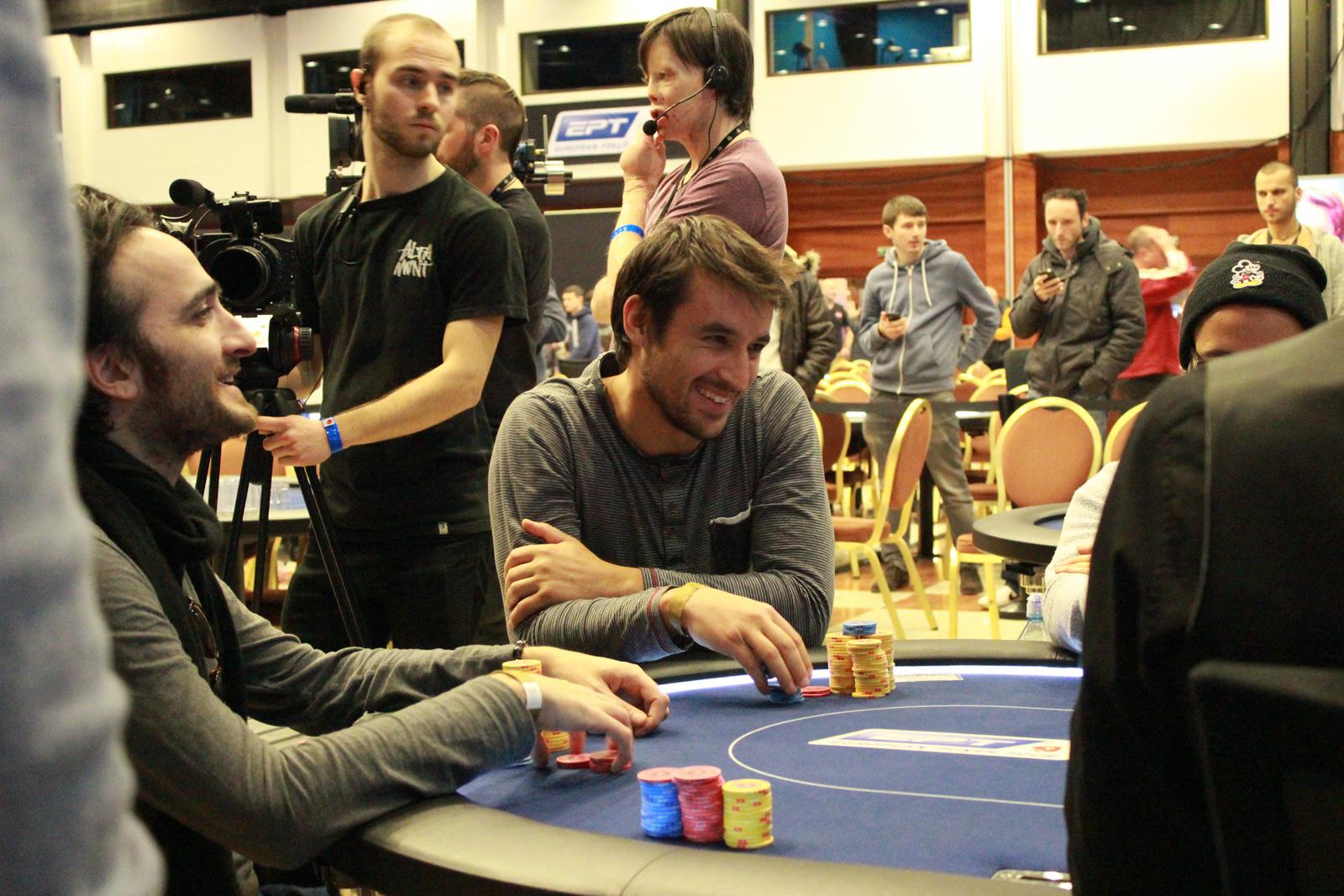 combien de jeton au poker par personne