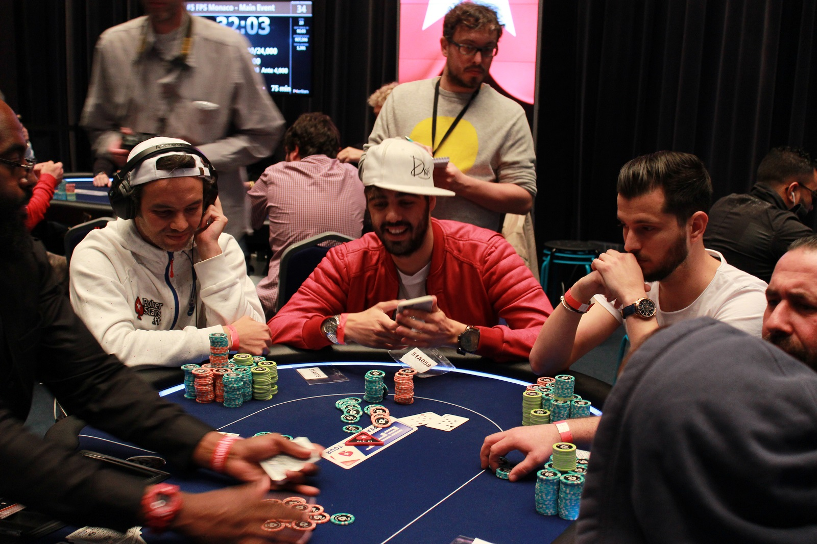 Fps monaco day 3 yoh se donne de l 39 air blog poker de for Chaise yoh viral